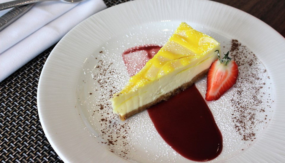 Lemon Cheesecake 2.jpg